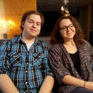 Johnny Aspelin och Rosa Woldhek studerande på Arcada.