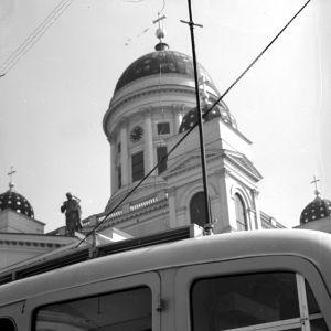 Yleisradion ääniauto Suurkirkon edessä 1938.