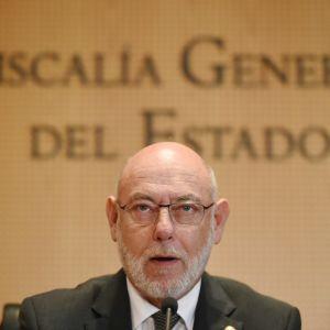 Spaniens riksåklagare Jose Manuel Maza förbereder åtal mot katalanska politiker som beslöt om en omstridd folkomröstning om självständighet