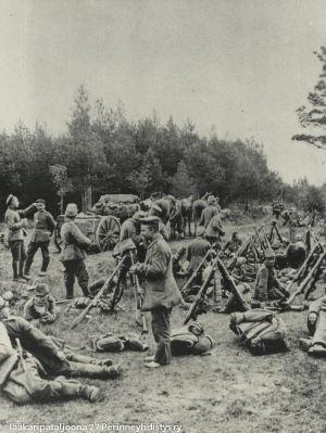Jääkäpataljoona 27 taukopaikalla (1916).