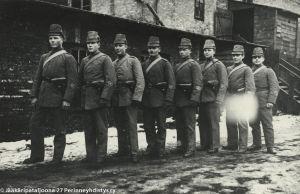 Vapaaehtoisia suomalaisia sotilaskoulutuksessa Lockstedtissa 1915-1916