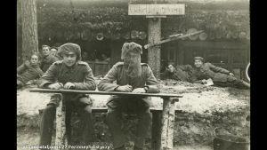 """""""Villa Hindenburg"""", suomalaisjääkärit Saksassa (1916/1917)."""
