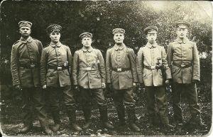 Suomalaisjääkäreitä 25.5. 1916, ennen rintamalle lähtöä