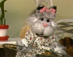 Pikku kakkosessa vuonna 1985 debytoinut Nuska-kissa.