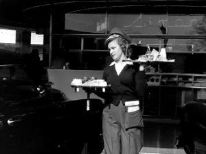 Uusinta uutta 1947: autoravintola!