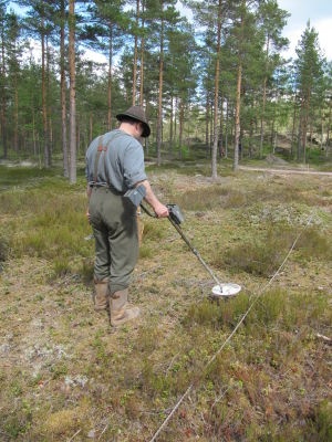 Området vid Harparskogarenan har genomsökts med metalldetektor.