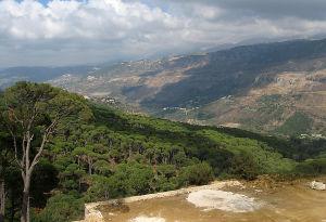 Vuoristomaisemaa Jezzinen lähellä Etelä-Libanonissa