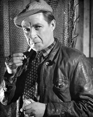 Henake Schubak elokuvassa Saariston tyttö (1953).