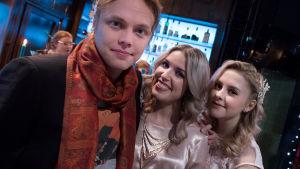 Kuvassa Tomi, Krista ja Iris (Antti Väre, Thelma Siberg ja Amelie Blauberg)