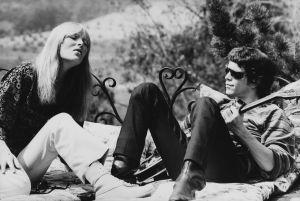 Nico ja Lou Reed The Castlen terassilla Los Angelesissa 1965.