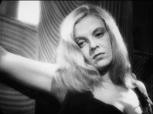 Regina Linnanheimo Tulion elokuvassa Rakkauden risti.