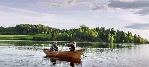 Korpelan kujanjuoksu-sarjan 1.kausi, soutelua järvellä