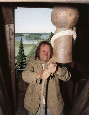 Tom Lindholm (Piiparinen) Peräkamaripojat-sarjassa.