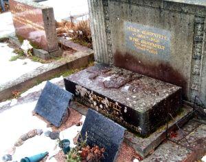 Julius Grotenfelts familjegrav på Sandudds begravningsplats.