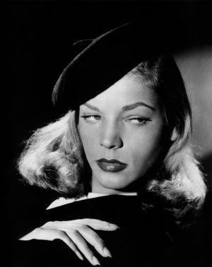 Lauren Bacall elokuvan Syvä uni mainoskuvassa