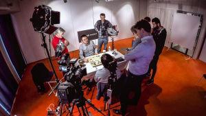Fan Hui testaa AlphaGota.