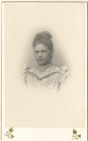 Fotografi som föreställer Gesonda Söderberg ca 1900.
