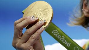 OS-guldmedaljen är värd över 500 euro.