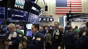 Börsfallet i New York var det största på en dag sedan finanskrisen år 2008