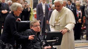 Stephen Hawking med påven