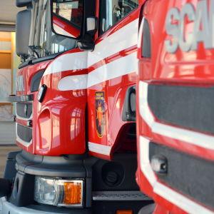 Brandbilar i garaget