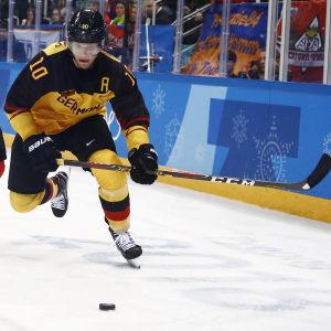 Christian Ehrhoff drog ett jättelass i det tyska lag som sensationellt tog sig till OS-final.