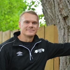 Johan Henriksson representerar Hangö IK.