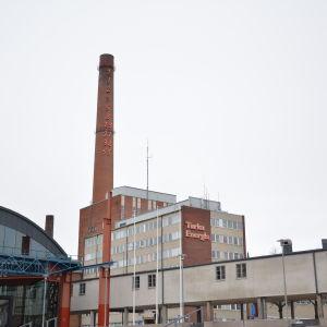 Åbo Energis byggnader sett från Varvstorget.