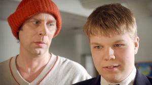 Vesa Vierikko ja Hannes Suominen tv-elokuvan Tuulikaappimaa kuvauksissa vuonna 2003.
