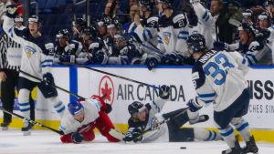 Finland-Tjeckien i JVM i ishockey.