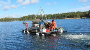 Sådana syrepumpningsapparater användes udner projektet Proppen i Sandöfjärden.