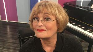 Irina Milan Puoli seitsemän studiossa