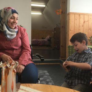 Huda Abou Alhawash med barnen Leen och Besam.