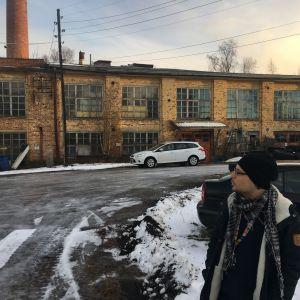 Jimmy Pulli utanför tvålfabriken i Vasa.