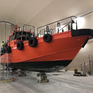 Olycksutredningscentralen undersöker den förlista lotsbåten.