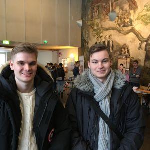 Profilbild på studerandena Kalle Lindroos och Mats Lindeberg.