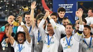 Real Madrid firar efter segern i klubblags-VM.