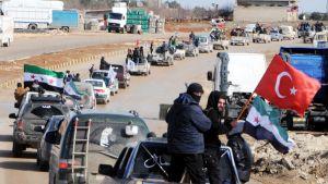 Pro-turkiska rebeller från den Fria syriska armén har samlats i gränsstaden Azaz inför offensiven mot Afrin