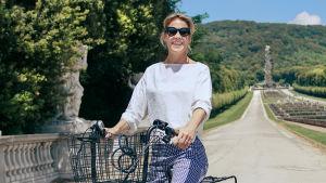 Ella Kanninen pyöräilee Italiassa