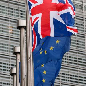 Brittiska flaggan utanför EU-kommissionen.