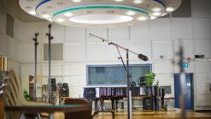 M2-studio 25.9.2015