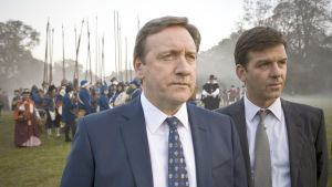 Suosikkisarjasta uusitaan kolme tuotantokautta alkuillan esityspaikalla.