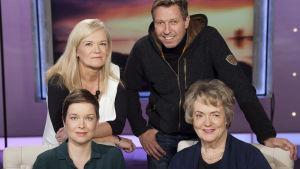 Miksi pitäisi aina olla yltiösosiaalinen?  Anne Flinkkilän vieraina  kirjailija Pauliina Vanhatalo, näyttelijä Martti Suosalo ja professori Liisa Keltikangas-Järvinen.