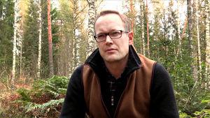 Fredrik von Limburg Stirum fotograferad i skogen.