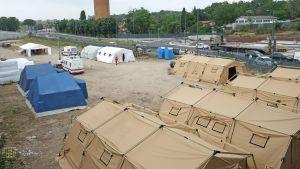 Temporära tält för flyktingar i Rom sommaren 2015.