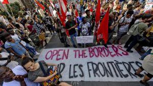 Demonstration i Italien mot nya regeringens försök att stoppa invaandring