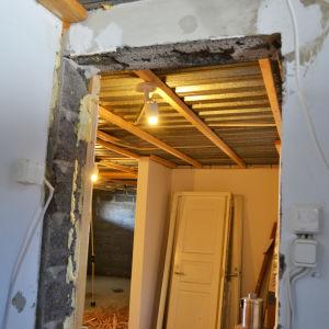 Kodinhoitohuonetta remontoidaan.