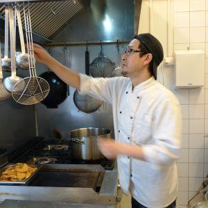 Tsutomu Tazaki har specialiserat sig på vardagsmat.