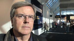 Bengt Östling på La Guardia-flygfältet i New York