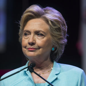 Hillary Clinton i talarpodiet.